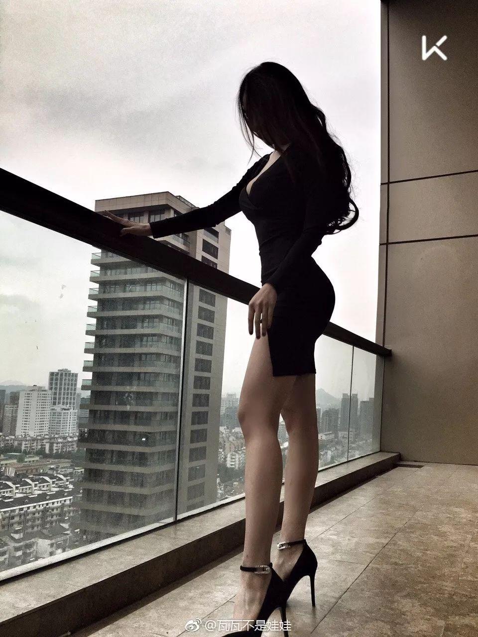 翘臀D罩杯,这个97年中国小姐姐身材完爆欧美大妞