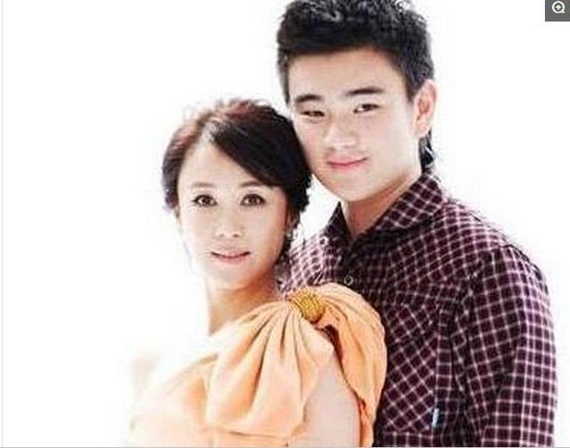 傅艺伟儿子,陈宝国儿子,奚美娟儿子,都输给了她的儿子!