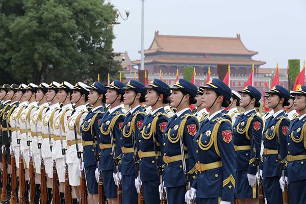国事访问欢迎仪式改革,女兵方阵亮相