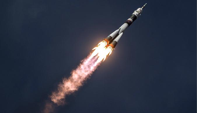 """俄""""联盟MS-09""""飞船发射 3名航天员前往国际空间站"""