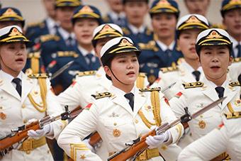 又美丽又坚毅!仪仗队女兵方阵巾帼不让须眉