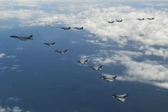 欧美空军秀战机编队 混进两架俄制战机怎么回事