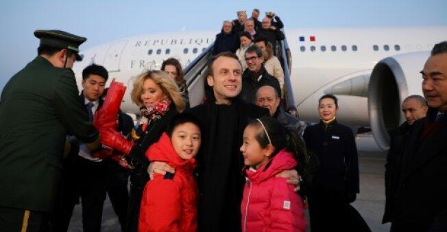 """最爱""""出差""""法国总统 马克龙执政一年访问27国创记录"""