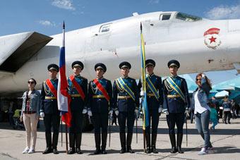 俄航空飞镖比赛落幕 这支部队获得总冠军