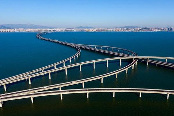 鸟瞰青岛胶州湾大桥