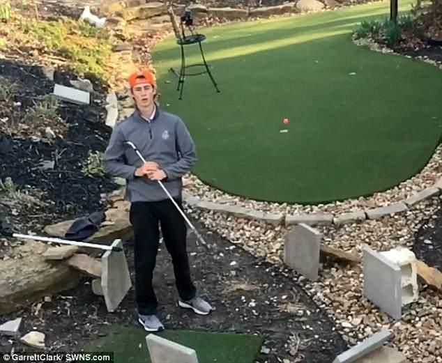美18岁少年秀花式高尔夫一杆进洞技能