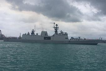 印海军最新锐战舰抵达关岛准备参加马拉巴尔演习