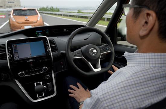 日本拟启动无人驾驶服务 推进行政手续电子化