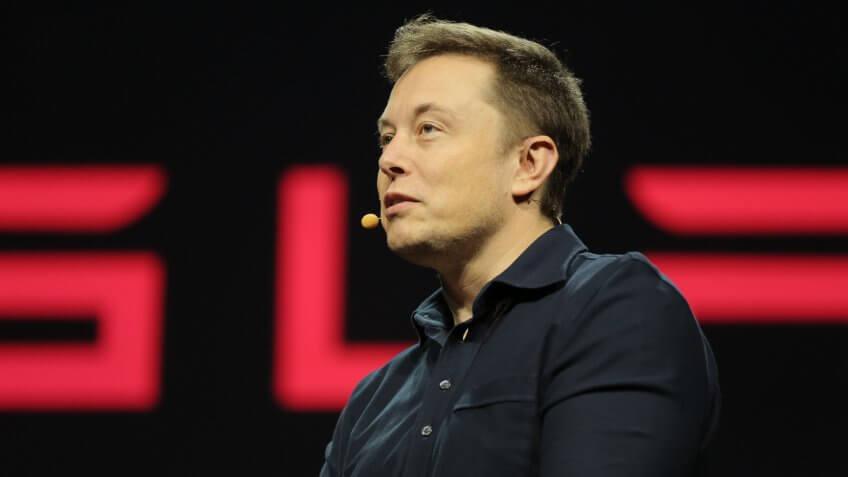 马斯克称Model 3生产好转 特斯拉股价大涨近10%