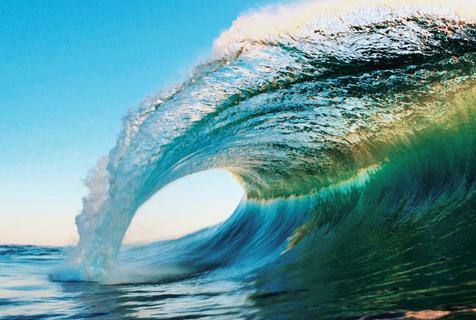 摄影师拍惊艳海浪照  千变万化五颜六色