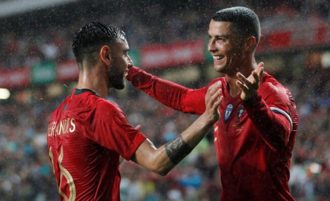 C罗送助攻+进球被吹 超新星2球葡萄牙3-0