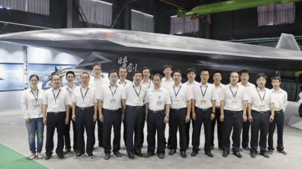 简氏:中国暗剑无人机再曝光 或是超音速空优战机