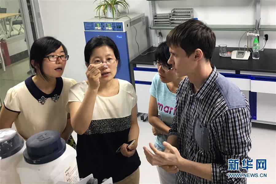 """(新华全媒头条·上合青岛峰会·图文互动)(8)远航,扬起""""上海精神""""的时代风帆——写在上海合作组织成员国元首理事会第十八次会议即将召开之际"""