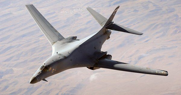 美军B-1超音速轰炸机将暂时全面停飞,原因是这个&#...