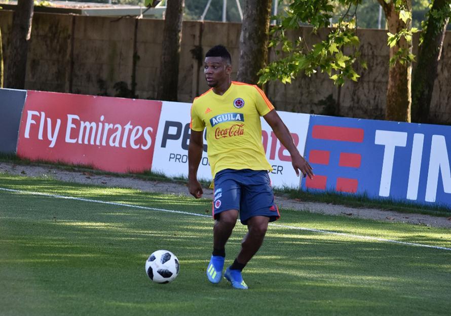 哥伦比亚主力边卫左膝十字韧带撕裂 将无缘世界杯