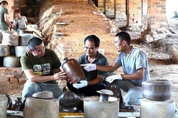 广西钦州:古窑再开窑 古陶焕生机
