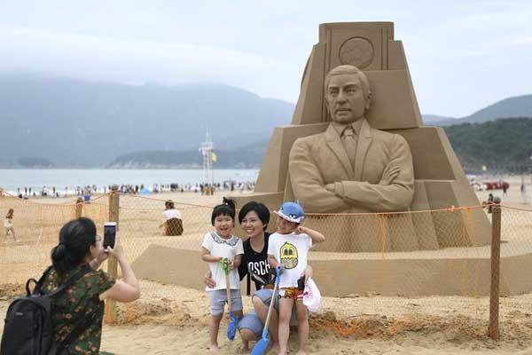 """浙江舟山:""""沙雕世界杯""""亮相海滩"""