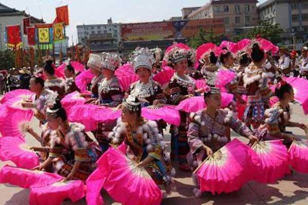 桂北少数民族展示传统技艺 传承非遗