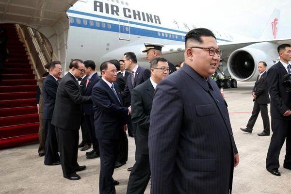 朝鲜最高领导人金正恩抵达新加坡