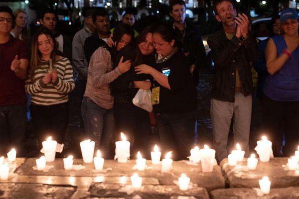 危地马拉火山喷发致上百人死亡 民众要求总统辞职