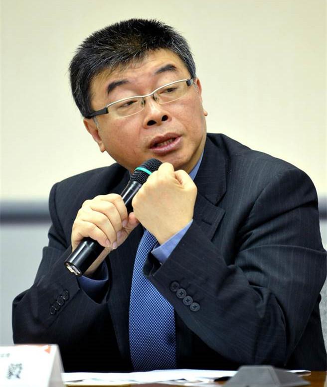 """邱毅海峡论坛谈""""31条"""":为台湾人才登陆发展提供空间"""