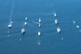 """北约""""波罗的海行动""""亮出超强战舰编队"""