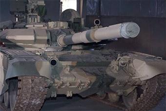 不满美指手画脚 伊拉克用俄制坦克换掉美制坦克