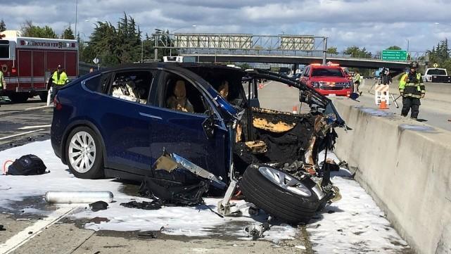 ModelX车祸初步调查结果出炉 来看这些未解细节