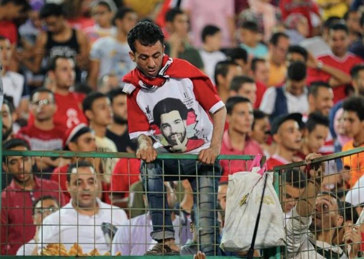 终于合练!萨拉赫引埃及千人围观 抵俄罗斯若有所思