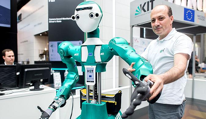 德国汉诺威国际信息及通信技术博览会举行