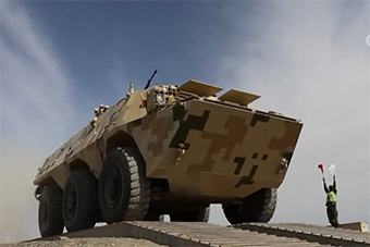 装甲兵西北大漠苦练只为在国际军事比赛崭露头角