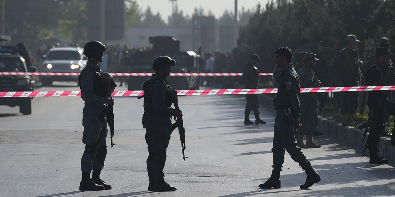阿富汗首都发生自杀式袭击 已致12人死亡