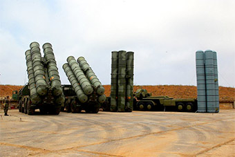 做模型果然专业:俄S400导弹充气模型以假乱真