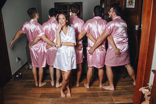 """程序员准新娘找来男闺蜜组建""""扮娘团"""""""