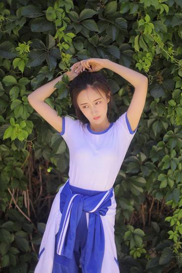 赵予熙青春写真 演绎那年夏天最美的年华