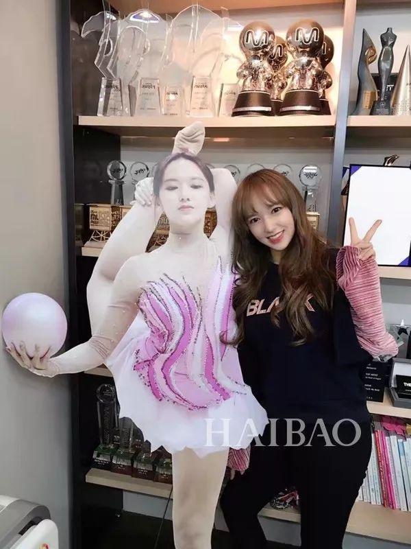 """被叫""""人形芭比"""",韩国最火的中国妹子是她?"""