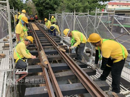 阿里山森林铁路本线目前的路线及车辆检修、维护、保养等各项作业,均已陆续改善完成。(阿里山森林铁路管理处提供)