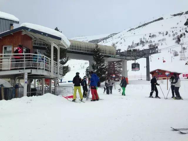 法国Les Deux Alpes滑雪场 体验顶级滑雪公园乐趣