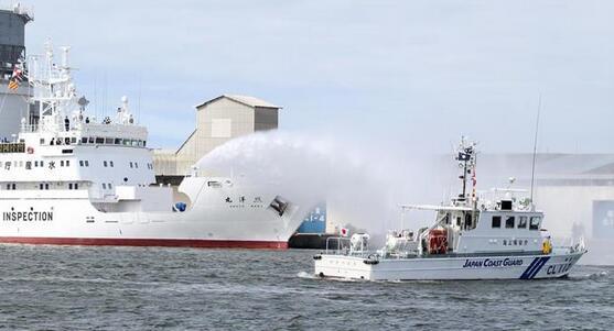 日本海保与水产厅为强化管控可疑外国渔船实施联合训练