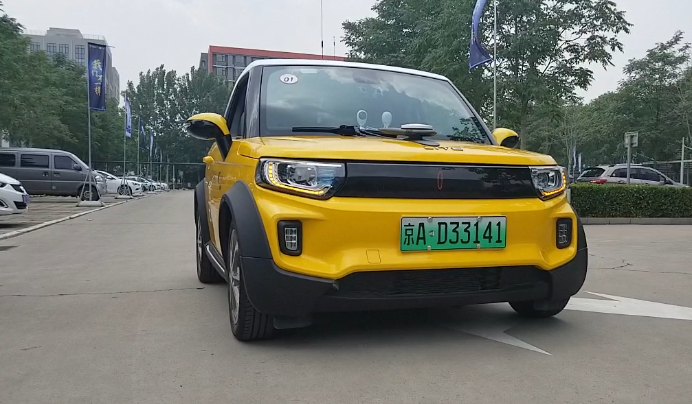 北汽新能源轻享科技展示场景化自动驾驶技术
