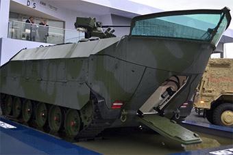挑战05式两栖战车?德国展示新型船型两栖装甲车