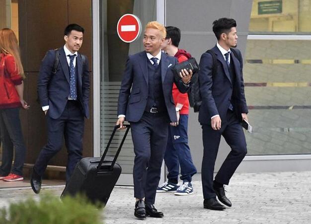 日本男足抵达俄罗斯喀山 准备世界杯小组首战