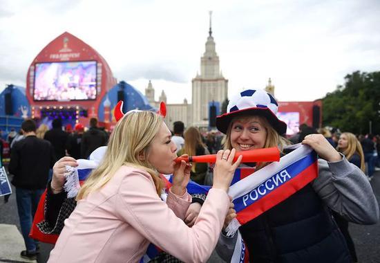 俄罗斯世界杯来了:不光能看比赛 还可以买买买