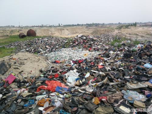 河堤现3公里长垃圾带 河北两市河长制形同虚设