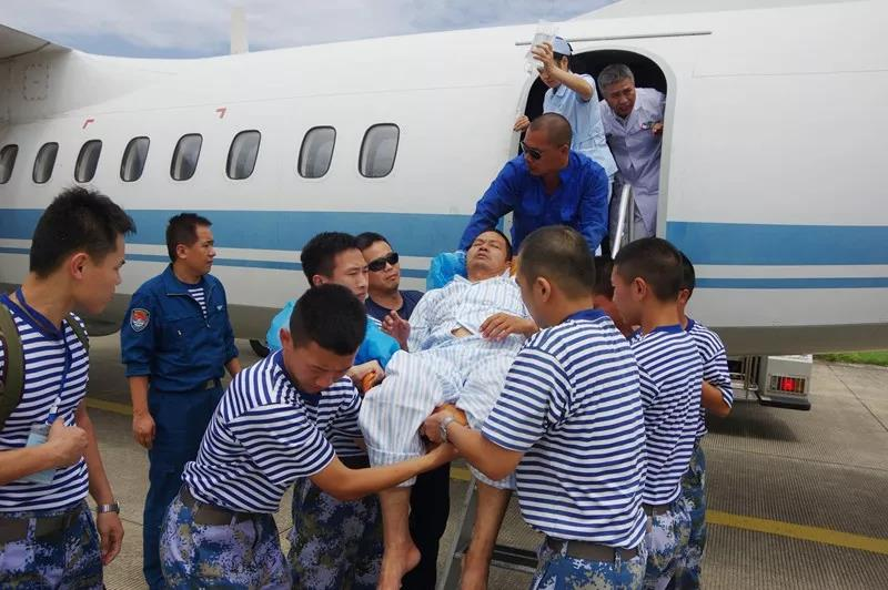 生命航线!海军运输机飞赴南沙岛礁转运重病民工