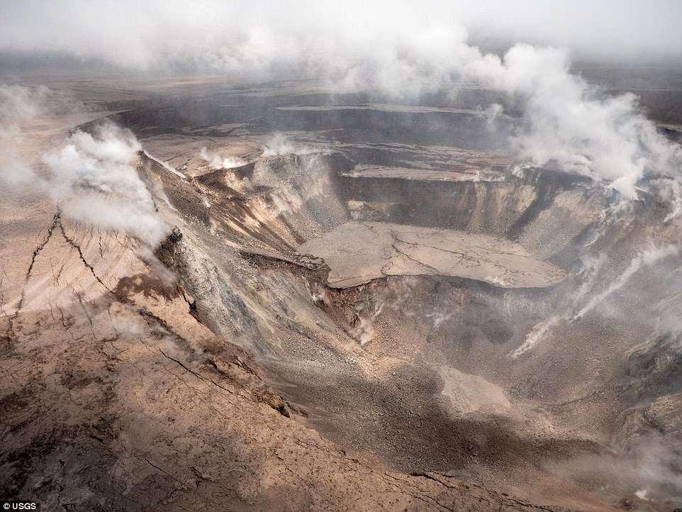 震撼!无人机拍摄美国基拉韦厄火山口
