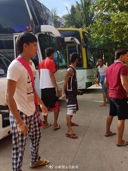 泰媒:2名中国游客在泰遭殴打  因把行李包放座位上被多次提醒