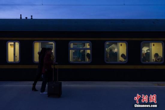 青藏铁路开通近12年运送旅客逾2700万人次