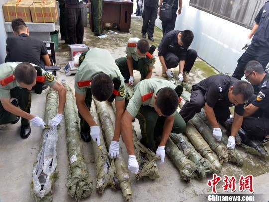 云南西双版纳查获冰毒57.4公斤 毒贩藏毒于传动轴内