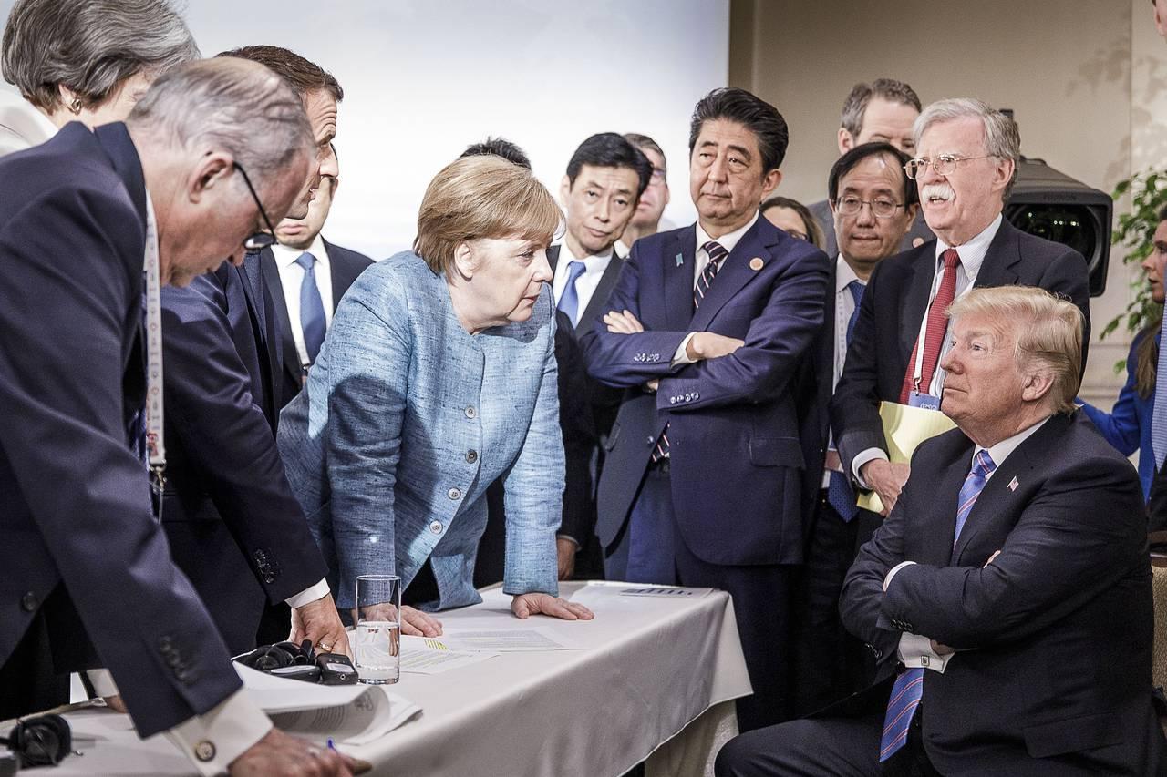 特朗普在G7峰会上对安倍说:我可以送你2500万墨西哥移民,你会立即下台